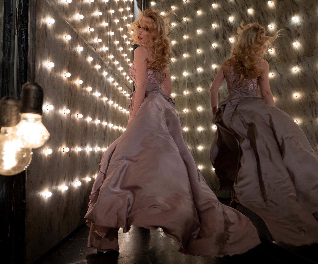 Кулешова Алиса в Зазеркалье фотограф Москва alicecool фотосессии девушек в студии